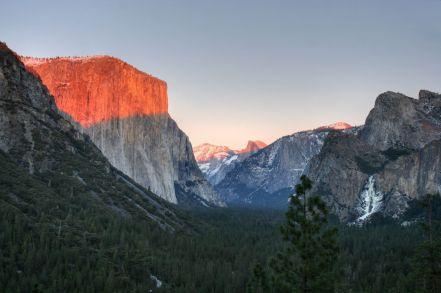 Yosemite_Tunnel_View_Sunset_(juniorvelo)
